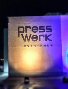 Jürgen Tremmel jt-veranstaltungspartner hochzeit hochzeitsdj dj band musik karlsruhe  rastatt WhatsApp Image 2018 04 07 at 19.06.33 Presswerk Kuppenheim referenzen
